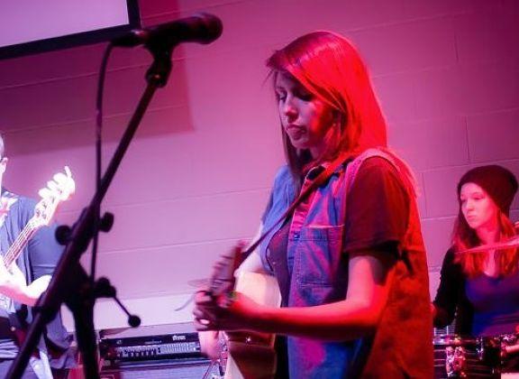Working Girls: Music & Social Media Pro Lauren Denault